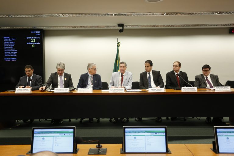 Sistema CFC/CRCs acompanha leitura do relatório da MP da Liberdade Econômica
