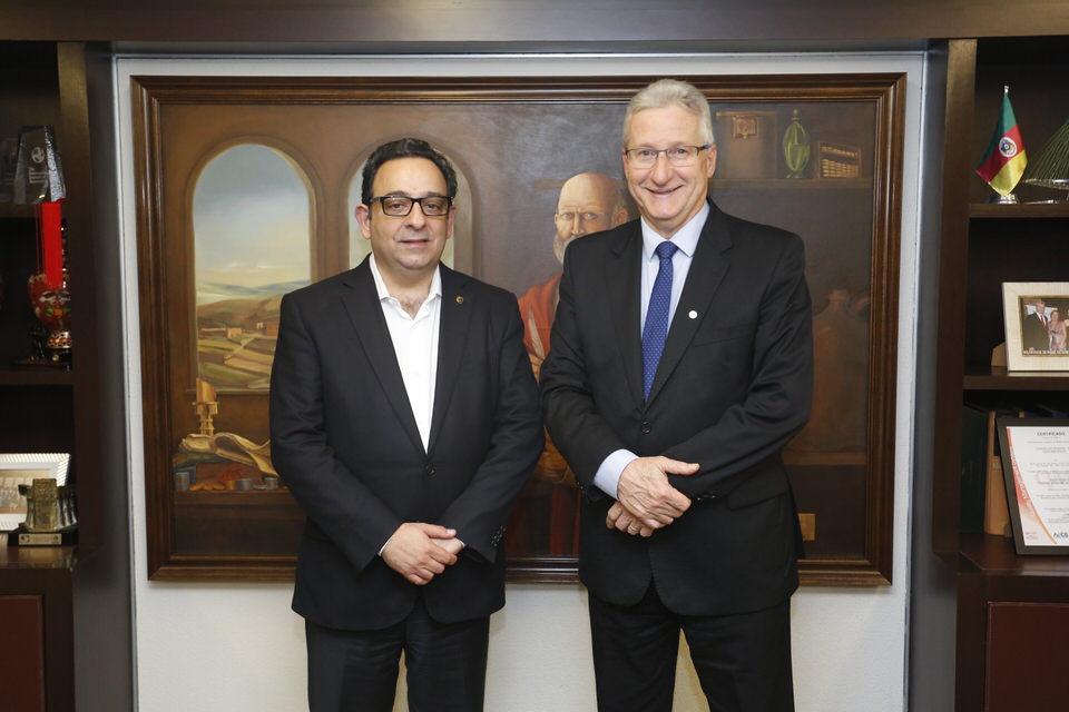 Presidente da Fenacon faz visita institucional ao CFC