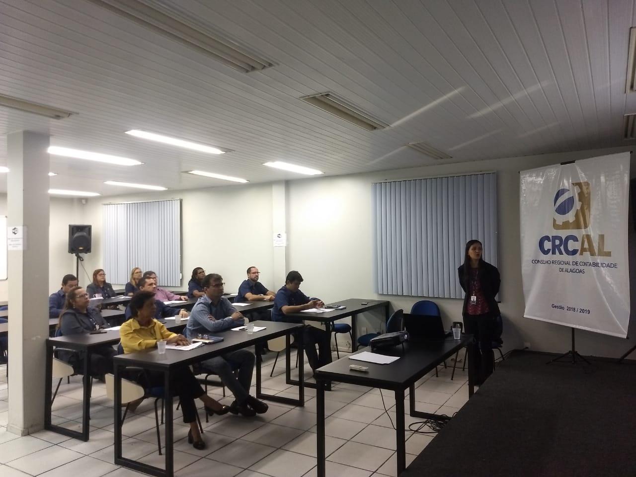 Funcionários do CRCAL recebem treinamento do CFC sobre Portal da Transparência, e-SIC e Ouvidoria