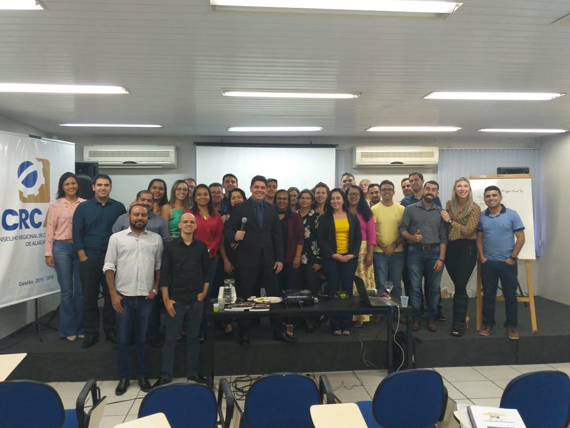 Profissionais da Contabilidade participam de curso Controle Patrimonial Aplicado ao Setor Público ministrado pelo professor Diogo Duarte