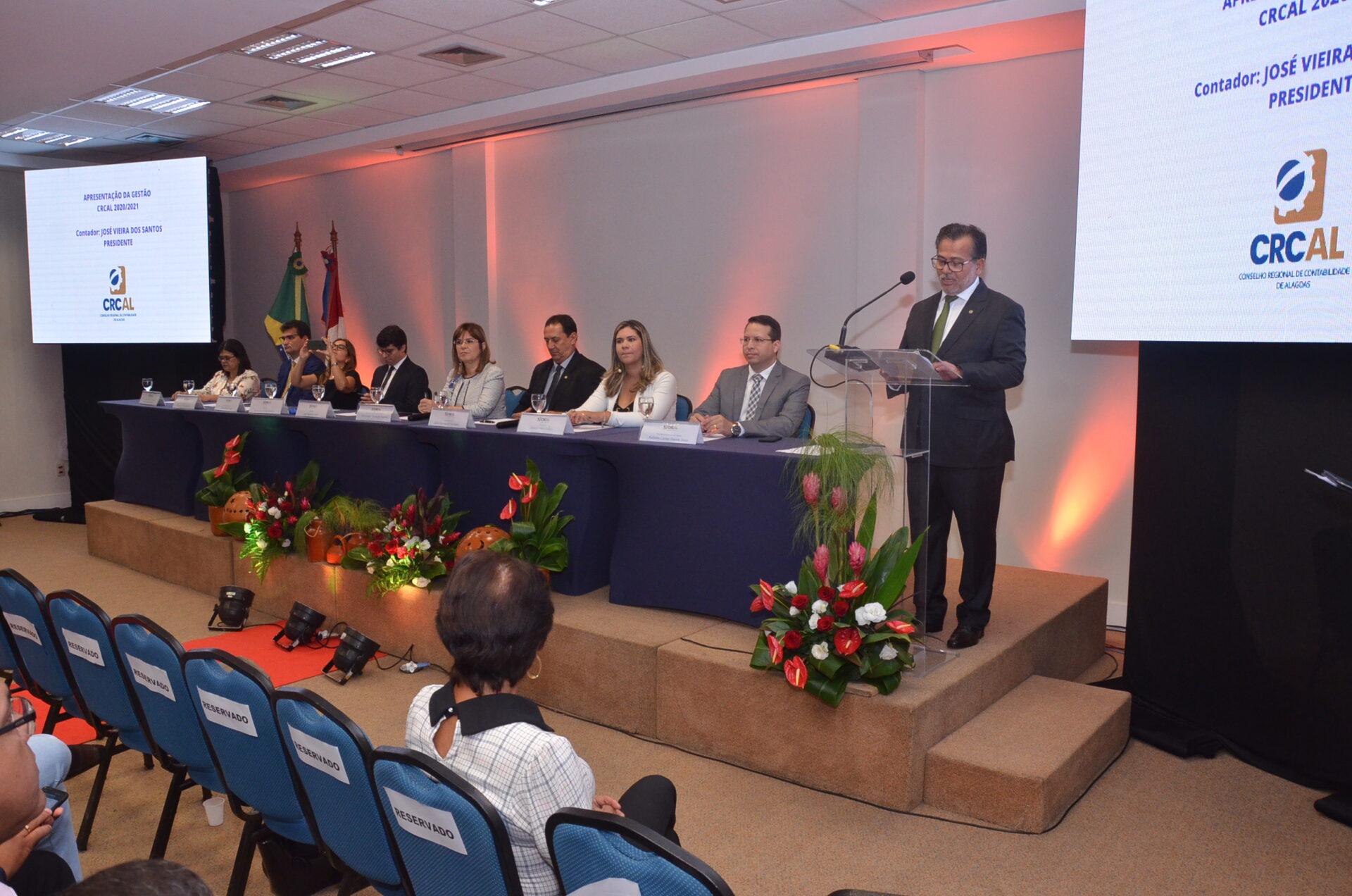 Gestão 2020-2021 é apresentada aos conselheiros, integrantes das comissões e funcionários do CRCAL